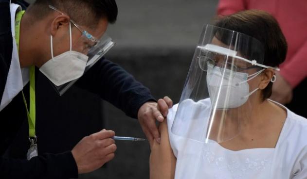 Varios empleados fueron suspendidos en Francia, tras no vacunarse contra el Covid-19