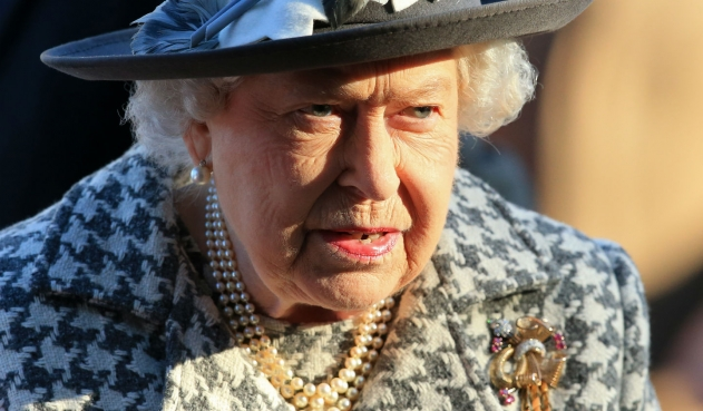 La reina Isabel II, paso la noche en un hospital