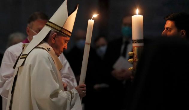 El Papa Francisco retorna a sus labores, tras su incapacidad
