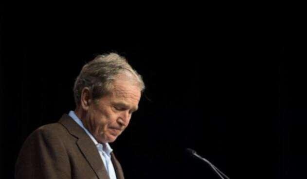 George W. Bush hace un llamado a luchar contra extremistas, dentro y fuera de EE.UU.