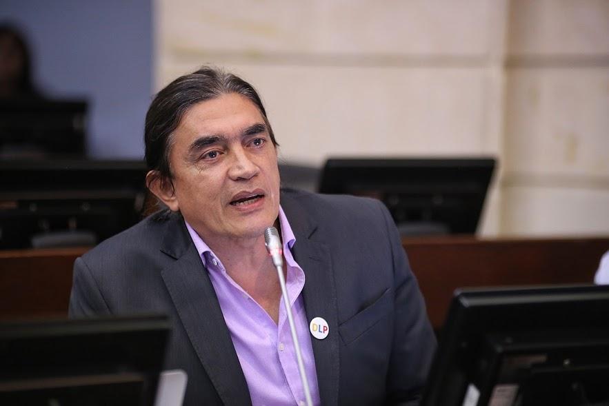 Gustavo Bolívar, será investigado por la procuraduría por financiación a la 'Primera Línea'